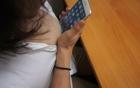Mở khoá iPhone 6 bằng... ngực!