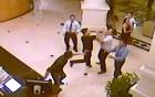 Hỗn chiến ở khách sạn 4 sao: Người áo đen đi theo nữ PGĐ Sở là ai? 6