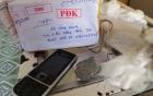 Gửi iPhone 5 qua bưu điện, nhận được...2 cục đá