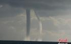 Xuất hiện 9 vòi rồng giữa hồ nước lớn nhất Trung Quốc
