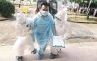 Ca nghi nhiễm Ebola tại Đà Nẵng: Cán bộ đầu trần, chân giày thách thức dịch bệnh? 7