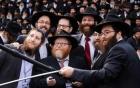Bức ảnh selfie lớn nhất thế giới với 2000 linh mục
