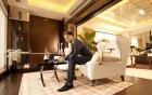 Đại gia giàu nhất showbiz Việt và những cú chi tiền tỉ gây sốc