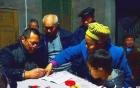 Người thân, dân làng cùng ký tên đòi trục xuất bé 8 tuổi nhiễm HIV