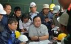 Vụ sập hầm thủy điện: Người nhà công nhân mắc kẹt nóng lòng đợi tin