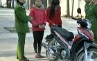 Mất iPhone 5, hai nữ sinh đi trộm xe máy