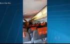 Nóng và bị delay, hành khách đi máy bay bức xúc vì không khác gì xe dù 2