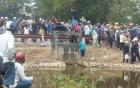 Hàng trăm người dân vây kín hiện trường vụ máy bay quân sự UH1 rơi