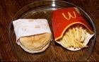 Đồ ăn McDonald's bày 6 năm không bị mốc