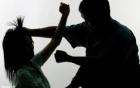 Video: Cô gái trẻ bị đánh bầm dập vì đổi làn xe đột ngột 1