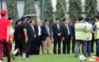 HLV Miura phát cáu vì buổi tập của U23 Việt Nam bị