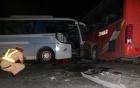 Hai xe khách đâm nhau, 1 người chết, 14 người bị thương