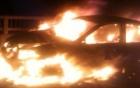 Đang lưu thông, xe biển xanh bốc cháy ngùn ngụt