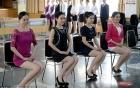 Mỹ nữ thi làm tiếp viên đường sắt như thi Hoa hậu