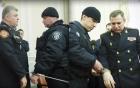 Clip: 2 quan chức cấp cao bị bắt ngay giữa sóng truyền hình trực tiếp