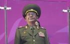 Kim Jong-un thích in hình mèo Hello Kitty, gấu Pooh lên vớ 3