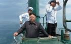 Kim Jong-un thích in hình mèo Hello Kitty, gấu Pooh lên vớ 4
