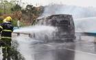 Căn nhà chứa sơn ở Sài Gòn chìm trong biển lửa, người dân chạy tán loạn 2