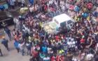 1000 người bao vây dân phòng bảo vệ bà bán chuối