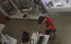 Video vờ mua hàng ăn trộm Galaxy S6 tại Sài Gòn