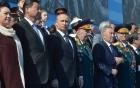 Người tình tin đồn của Putin đeo nhẫn cưới xuất hiện cùng 2 bé trai 4