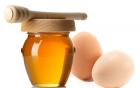 Mách bạn 5 công thức làm đẹp với mật ong và trứng gà hiệu quả