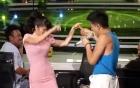 Hồng Nhung rời ghế nóng nhún nhảy cùng trai đẹp Trọng Hiếu