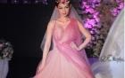 MC Quỳnh Chi tái xuất diện váy cưới gợi cảm sau biến cố hôn nhân
