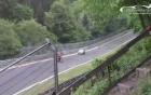 Clip: Thót tim màn quay đầu xe khiến tài xế mô tô suýt mất mạng