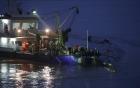 Video: Giải cứu cụ bà 65 tuổi trên tàu chìm Trung Quốc 1
