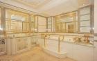 Siêu biệt thự 45 phòng nạm vàng giá khủng 10 nghìn tỉ