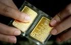 Giá vàng hôm nay 1/7: Hy Lạp vỡ nợ, giá vàng lao dốc