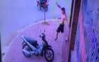 Chủ nhà bất lực nhìn trộm lấy xe SH trong tích tắc