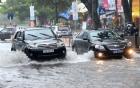 Những điểm cần lưu ý khi lái xe trong thời tiết mưa bão