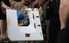 Phát hiện vật thể nghi cửa sổ máy bay trôi dạt vào đảo Reunion