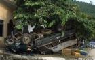 Xe tải đâm vào dải phân cách, 3 nữ sinh thương vong
