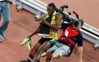 Video: Usain Bolt suýt giải nghệ do va chạm với cameraman