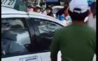 Clip tài xế taxi hãng Vinasun đánh người đi đường dã man