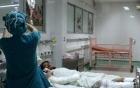 Thông tin sức khỏe mới nhất của em bé bị mẹ tưới xăng đốt