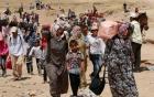 Ảnh người cha Syria hôn con gái trên đường tị nạn gây xúc động 2