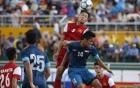 Video: Thủ môn U21 Singapore phá bóng như