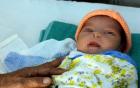 Cháu bé sơ sinh 3 ngày tuổi bị vứt xuống giếng sâu