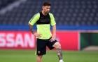 Video: Messi sút bay camera từ khoảng cách không tưởng