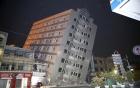 Đảo Đài Loan rung chuyển vì động đất, hàng trăm người mắc kẹt