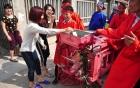 Làng Ném Thượng tổ chức tục chém lợn