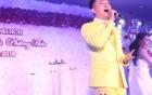 Nam Cường hát