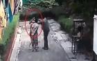 Video chồng tạt axit vợ cũ trước mặt con ngay giữa đường phố