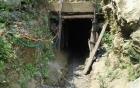 3 phu vàng mắc kẹt dưới hang sâu 300 mét: Cứu hộ chưa thể ứng cứu 2