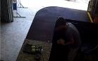 Video: Thiếu niên 17 tuổi vô hiệu hóa camera, trộm 60 triệu đồng