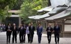 Video: Thủ tướng Nhật đưa lãnh đạo G7 tham quan đền thiêng